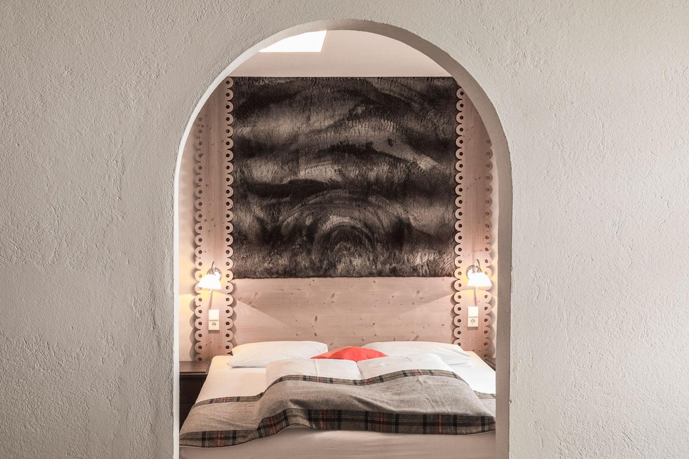 Zimmer in gemütlichem Almhotel Südtirol